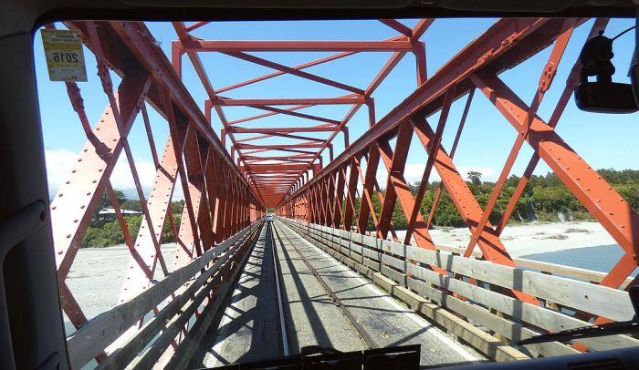 Cossing the road-rail bridge